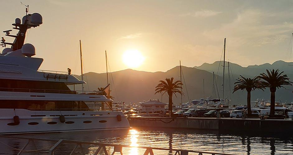Auringonlasku Porto Montenegro