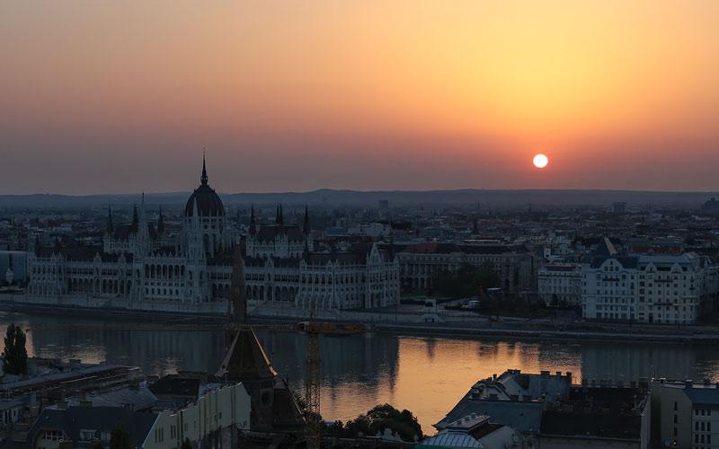Budapest auringonnousu